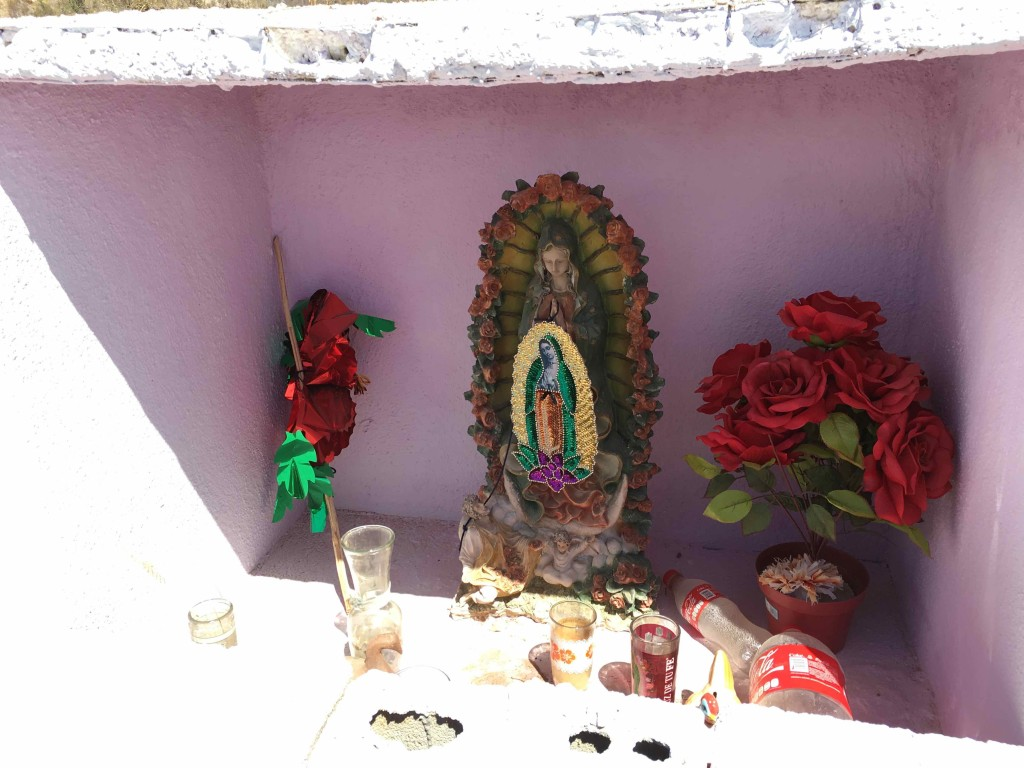 Shrine on the way to San Vicente.