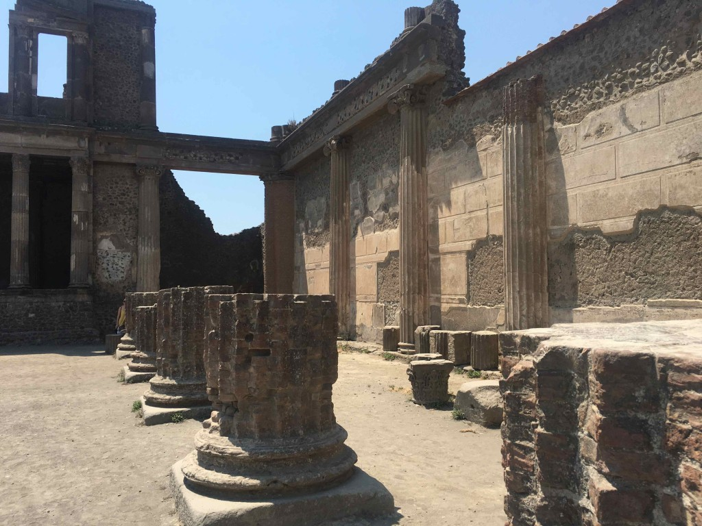 More ruins in Pompeii