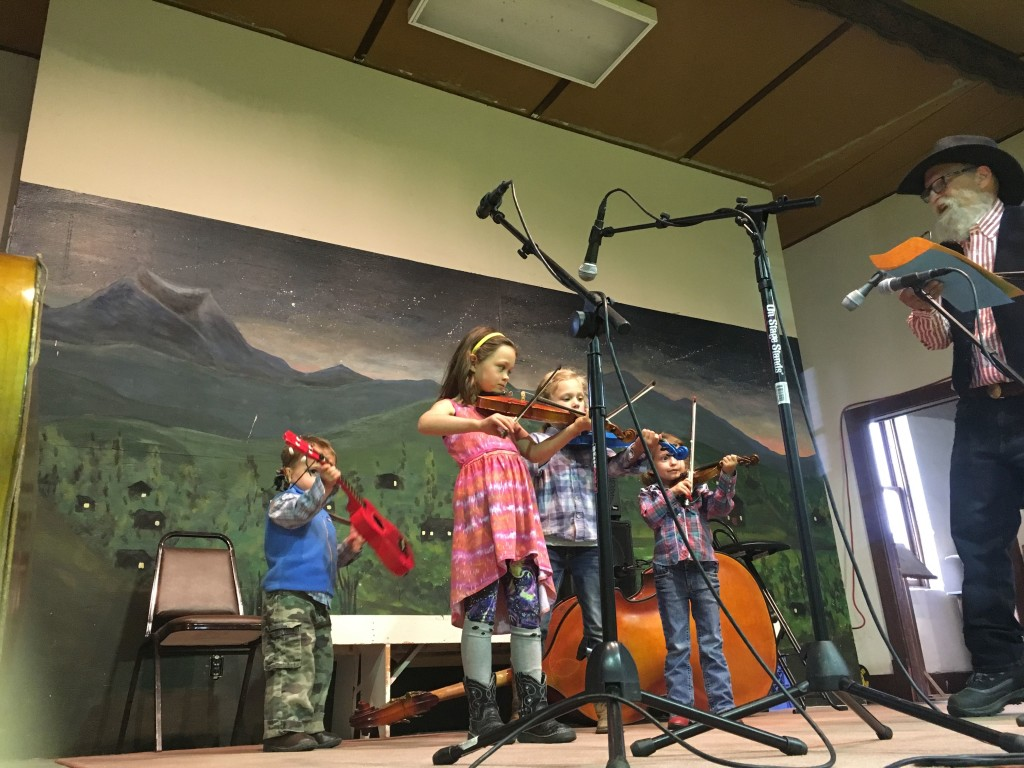 The tiniest fiddlers.